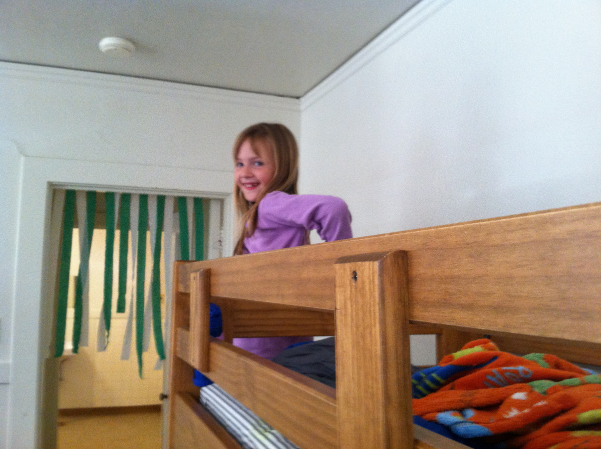 she got a top bunk!